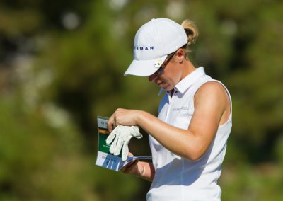 Sophie Walker of England checks her Green Book-g