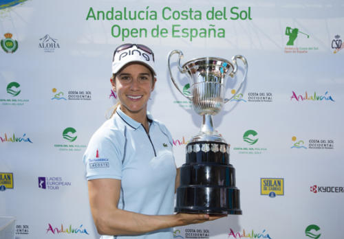 Azahara Munoz of Spain with her trophy-g